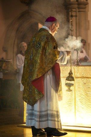 4b incensing the altar